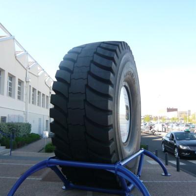 Le plus gros pneu produit par MICHELIN