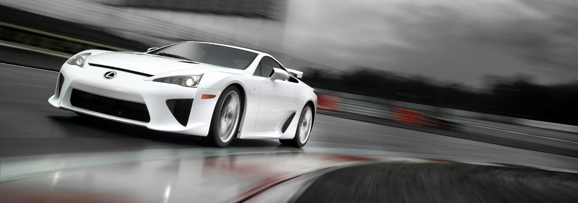 Le choix des pneus : une véritable stratégie pour les courses automobiles